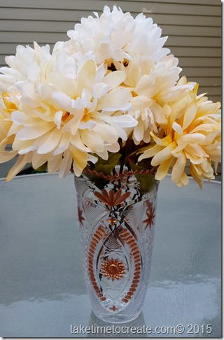 paint plastic vase with nail polish
