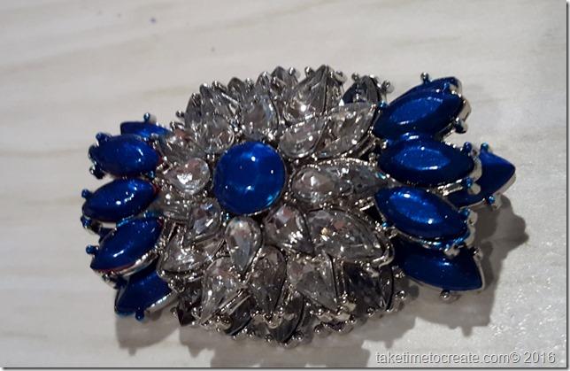 alter a necklace into a barrette